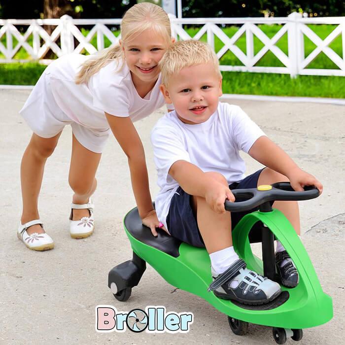 lưu ý khi cho bé chơi với xe lắc
