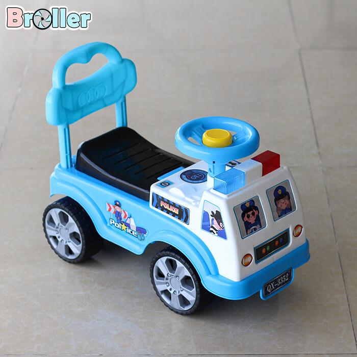 Xe chòi chân cảnh sát 3352 2