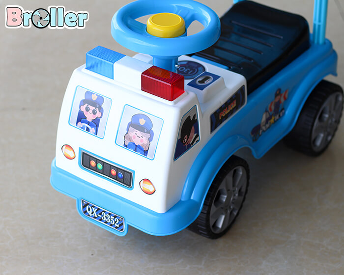Xe chòi chân cảnh sát 3352 3