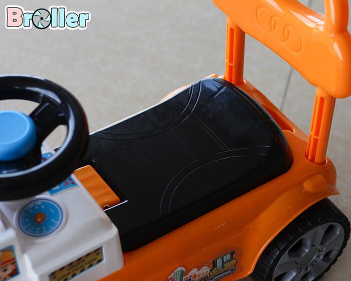 Xe ủi chòi chân cho trẻ 3355 5